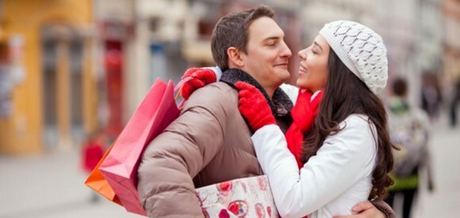 Стало известно, сколько украинцы потратили на подарки на День Валентина