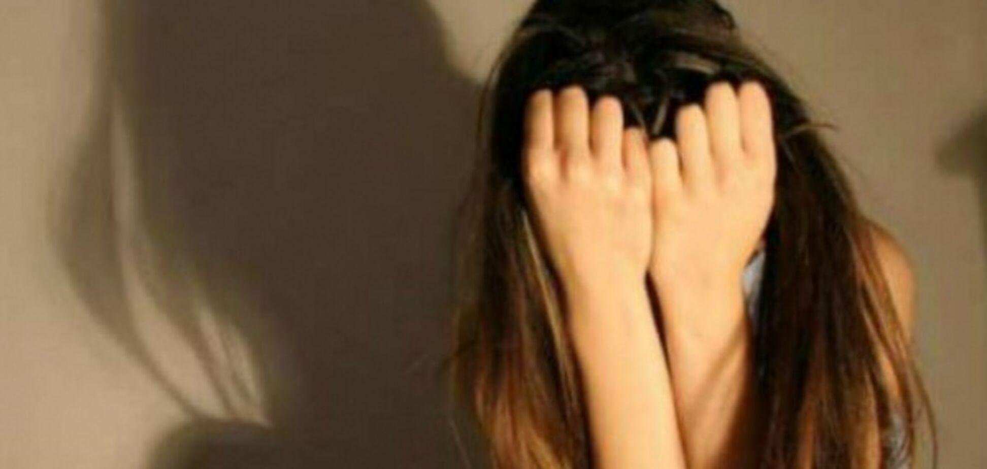 'Чи варте життя цього всього?' Флешмоб школярів врятував дівчину від самогубства