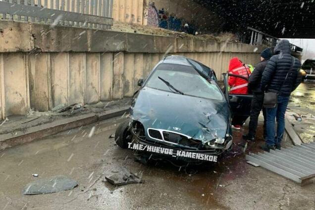 На Дніпропетровщині автомобіль потрапив в серйозну ДТП