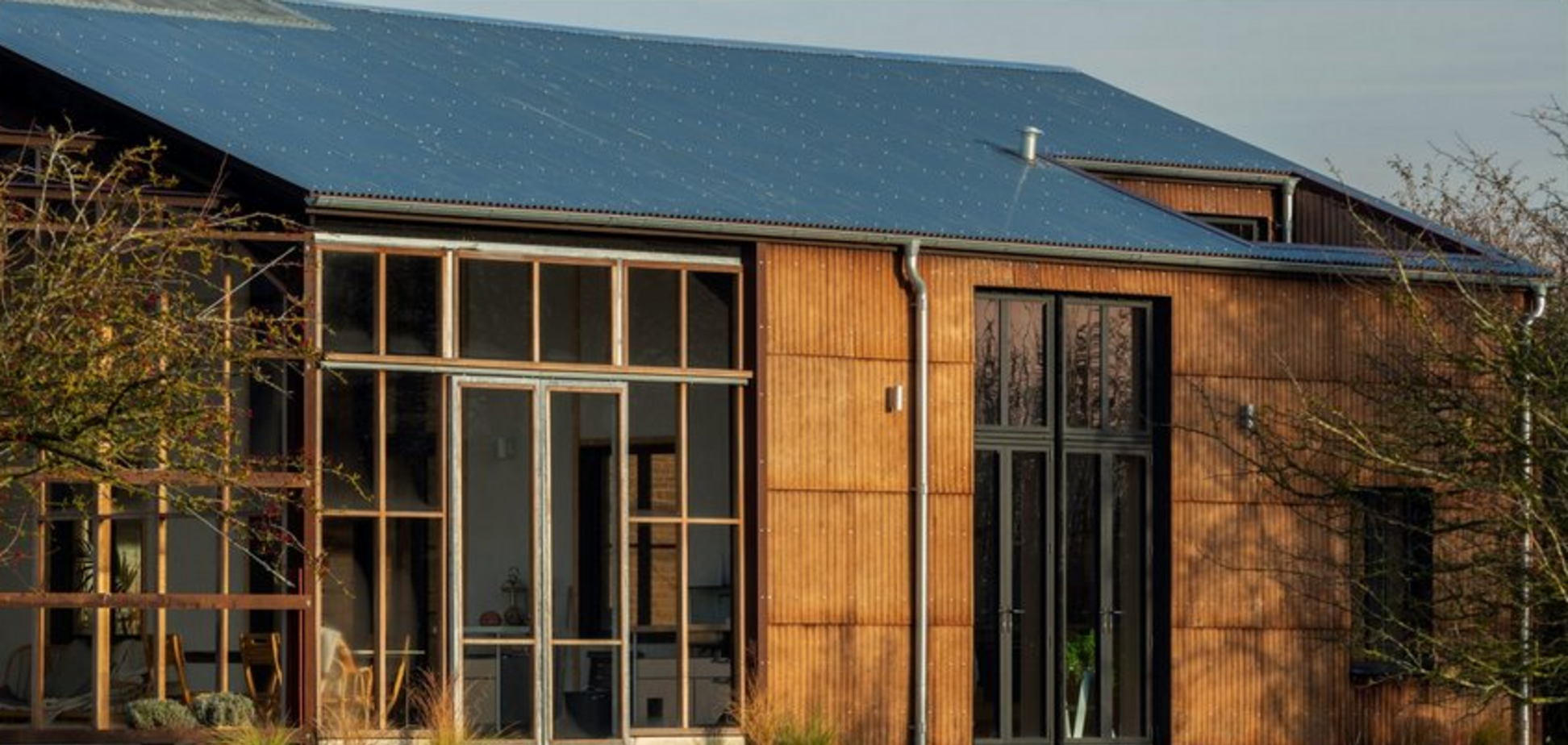 Солнечные панели и конопляный биопластик: в Британии показали углеродно-негативный дом