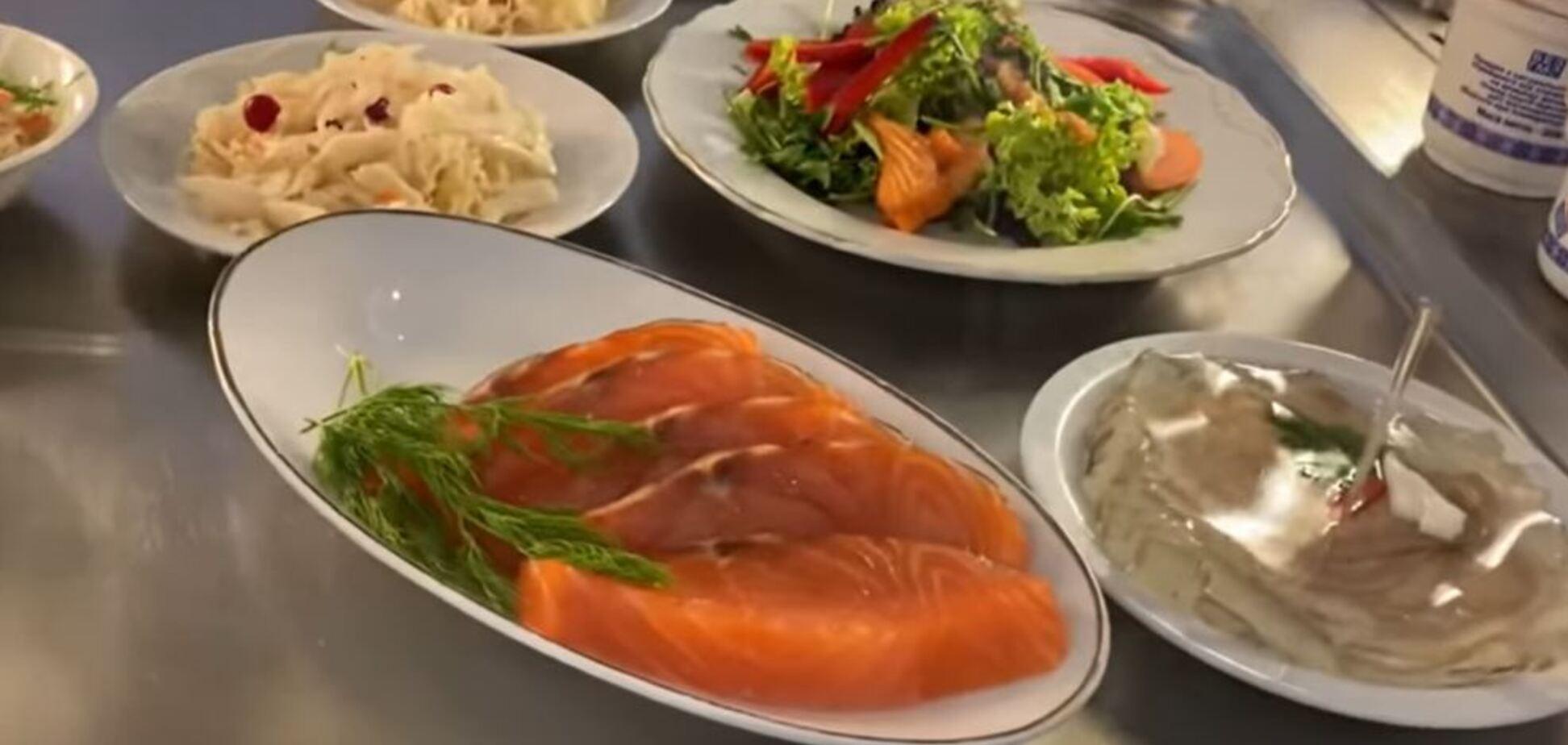 Від голубців до червоної риби: чим годують у їдальні Ради і скільки це коштує