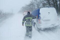 На Одесщине автомобили попали в снежную ловушку