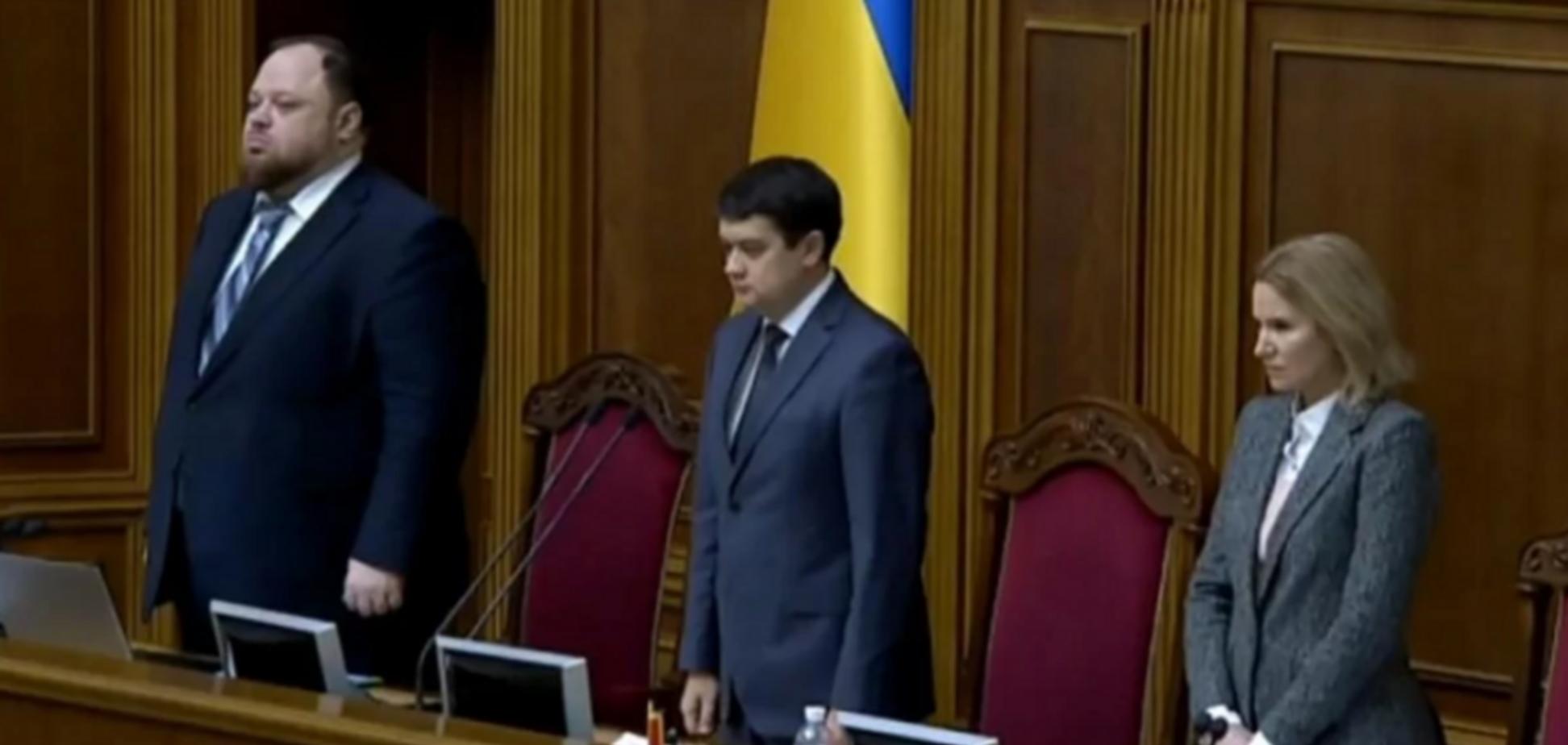 'Бульдозер, що зачищає все українське': в мережі жорстко відреагували на почесті в Раді для ексглави Верховної Ради УРСР