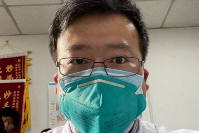 У Китаї від коронавируса помер лікар, першим його виявив
