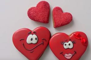День всех влюбленных: смешные валентинки и яркие поздравления с праздником