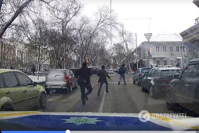 Вуличного грабіжника в Одесі наздогнала миттєва карма