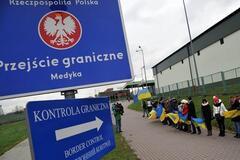 Украинцы массово бегут в Польшу на работу: подсчитано число нелегалов