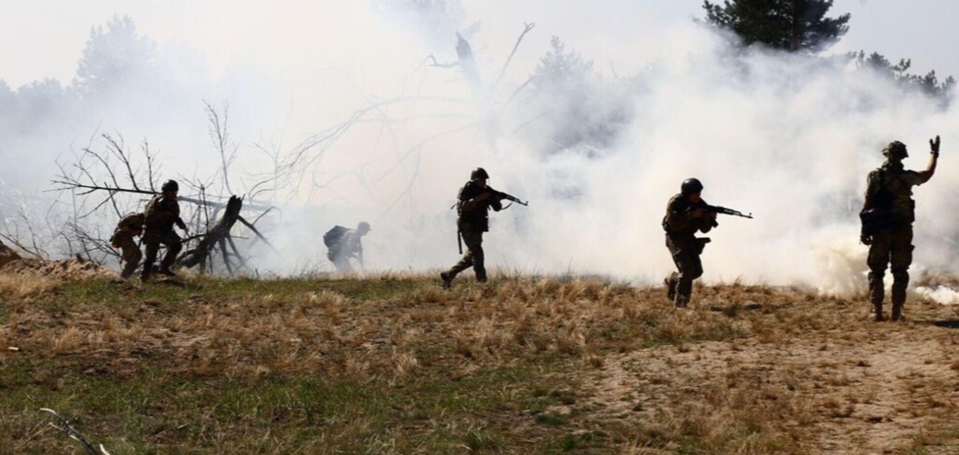 Террористы устроили масштабный обстрел на Донбассе