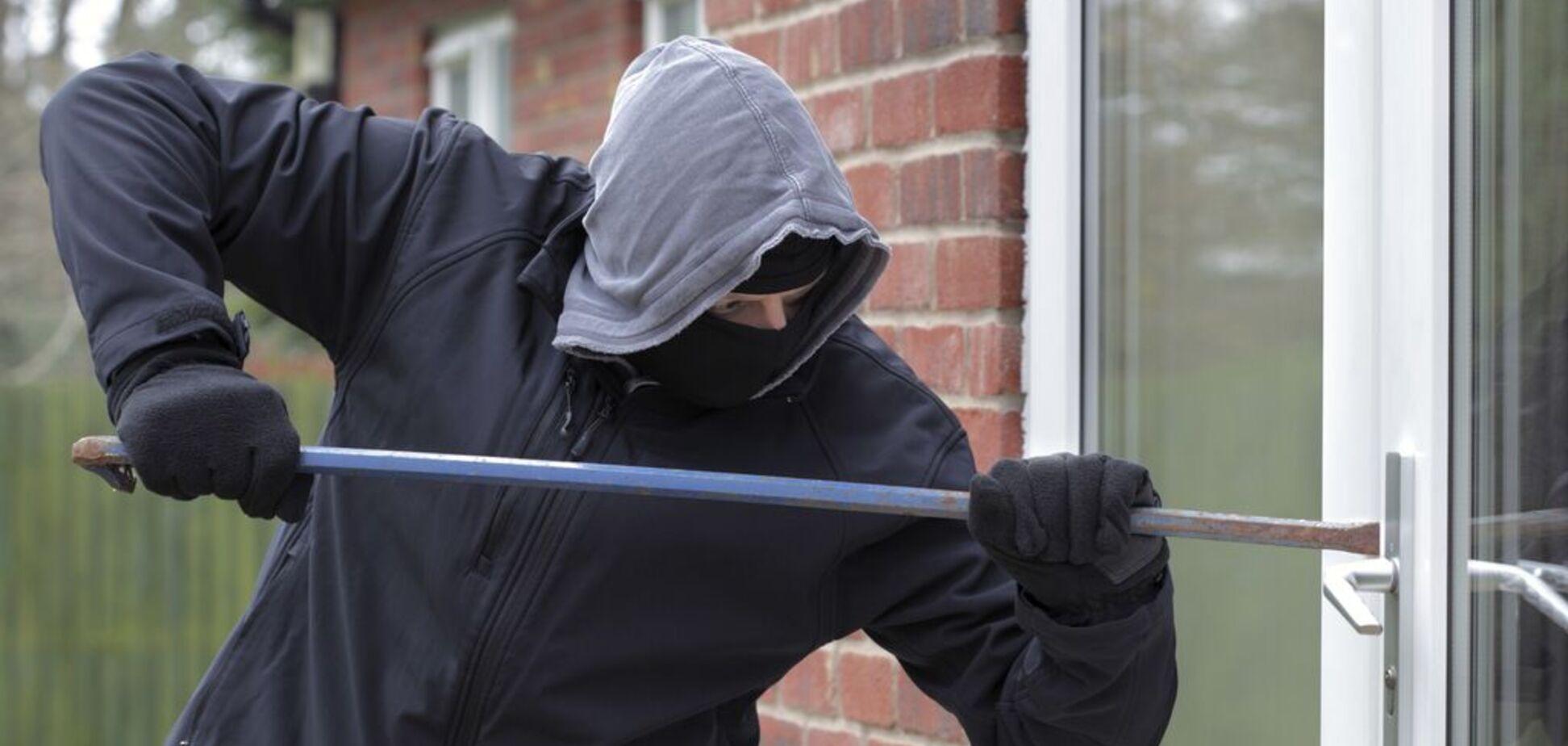 Вломились в дом: в Днепре напали на семью крупного бизнесмена