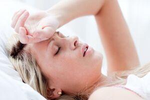 Обморок: причины возникновения и основные симптомы, способы лечения заболевания