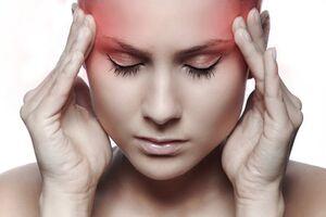 Головная боль (цефалгия): причины возникновения и основные симптомы, способы лечения заболевания