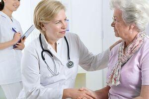 Рвота: причины возникновения и основные симптомы, способы лечения заболевания