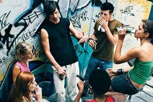 Девиантное поведение подростков: причины возникновения и основные симптомы, способы лечения заболевания