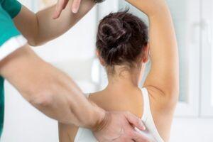 Грудной спондилез: причины возникновения и основные симптомы, способы лечения заболевания