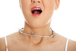 Инородное тело гортани: причини виникнення та основні симптоми, способи лікування захворювання
