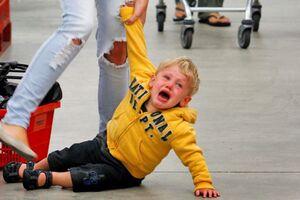 Истерики у детей: причины возникновения и основные симптомы, способы лечения заболевания