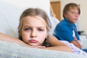 Расстройство сиблингового соперничества: причины возникновения и основные симптомы, способы лечения заболевания