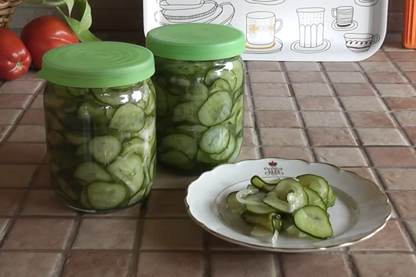 Салат із огірків на зиму