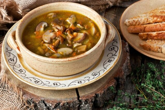 Суп із грибами