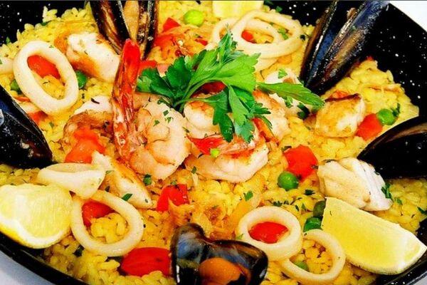 Паелья з морепродуктами