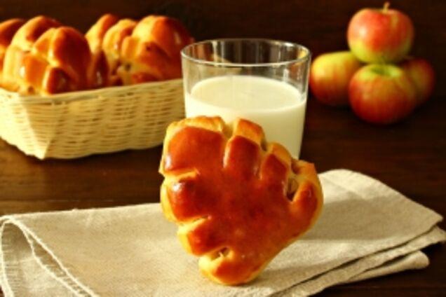 Булочки з яблуками