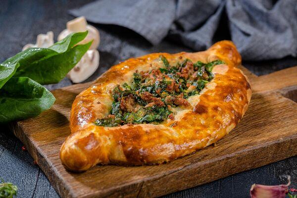 Хачапурі з м'ясом