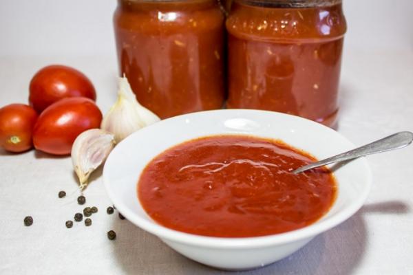 Кетчуп с луком и пряностями