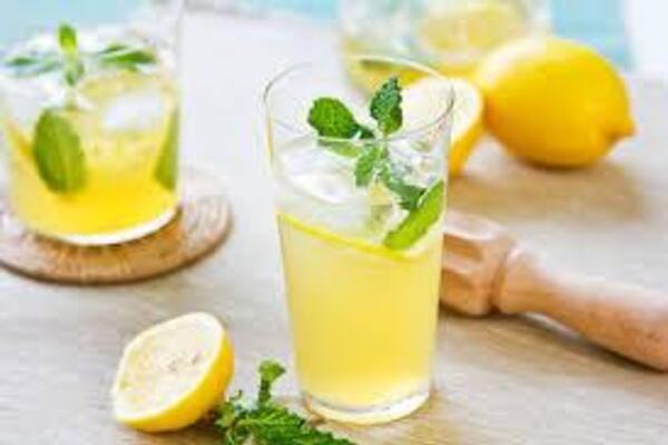 Мохіто з ромом та лимонним соком