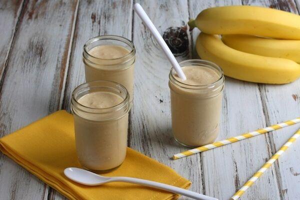 Молочный коктейль с бананом и медом