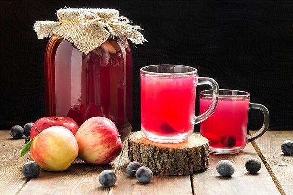 Сливово-яблучний компот