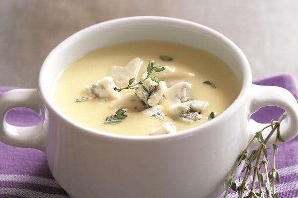 Молочный суп с картошкой и сыром