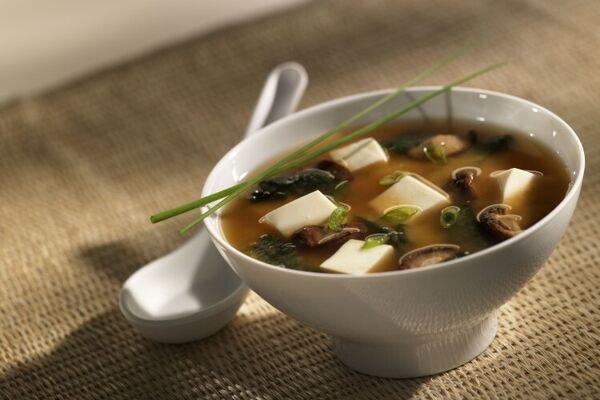 Місо суп із соєвим соусом