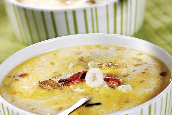Молочний суп з морепродуктами