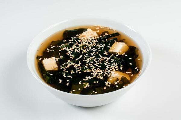 Місо-суп із водоростями і кунжутом