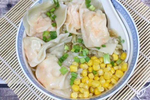 Місо-суп із креветковими вонтонами