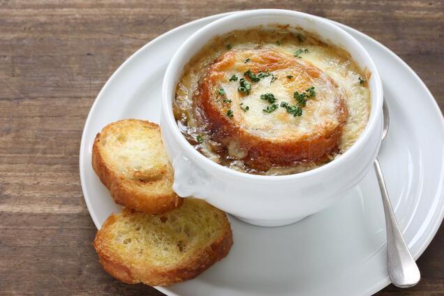 Луковый суп с бульонным кубиком