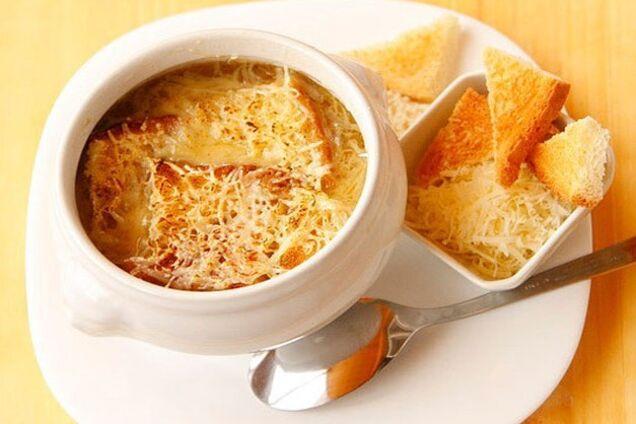 Цибулевий суп із борошном