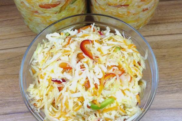Салат із капусти і болгарського перцю