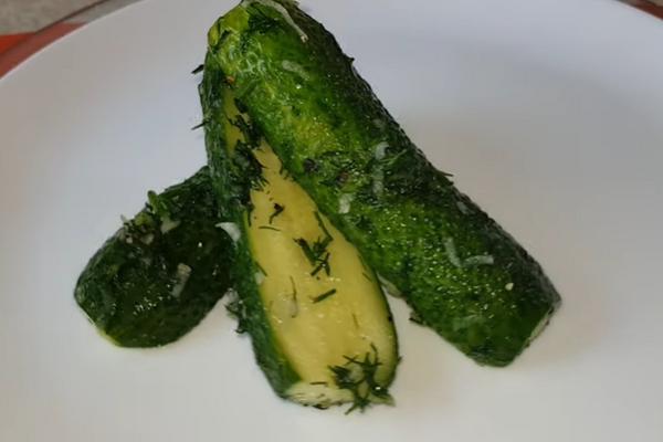 Малосольні огірки за 30 хвилин