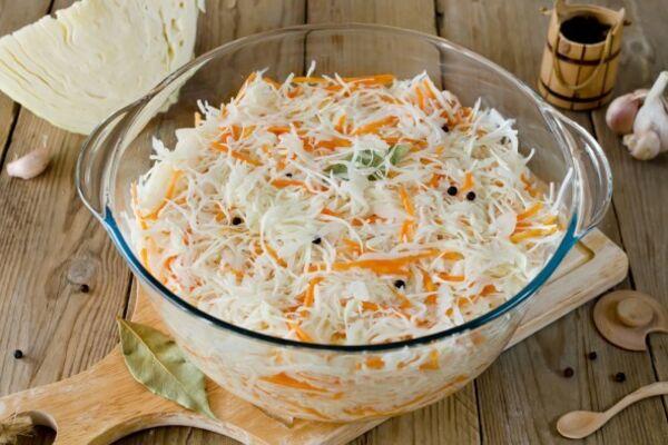 Квашена капуста з морквою