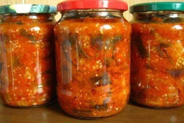 Салат з баклажанів з томатною пастою