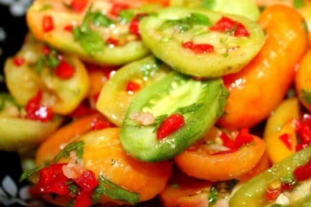 Салат із зелених помідорів без варіння