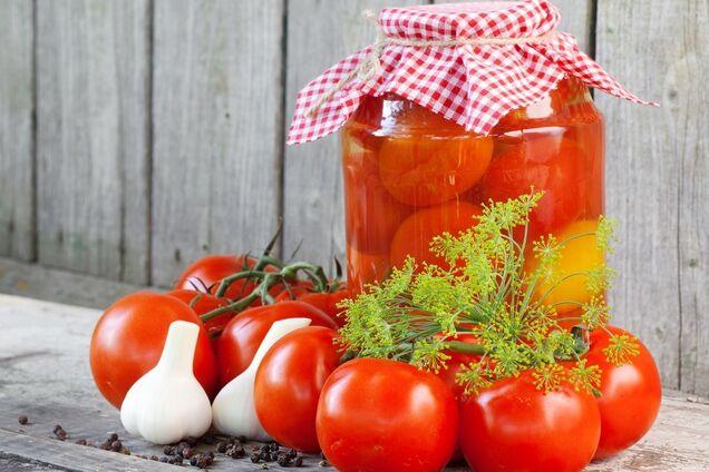 Квашені помідори з кропом