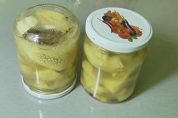 Мариновані баклажани в маринаді