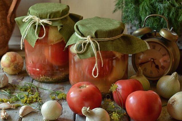 Квашеные помидоры с луком и горчицей