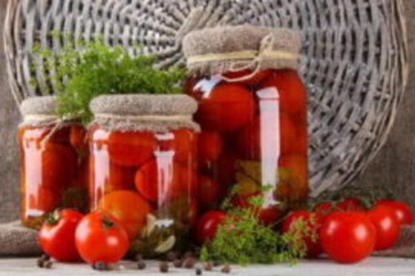 Квашеные помидоры с кориандром