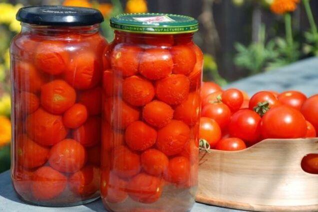 Мариновані помідори з оцтом і перцем
