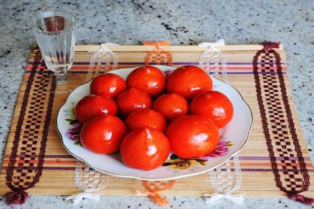Малосольные помидоры с медом