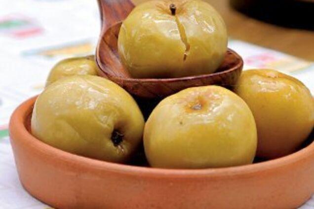Моченые яблоки с сахаром