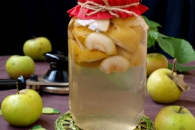 Компот з яблук без стерилізації